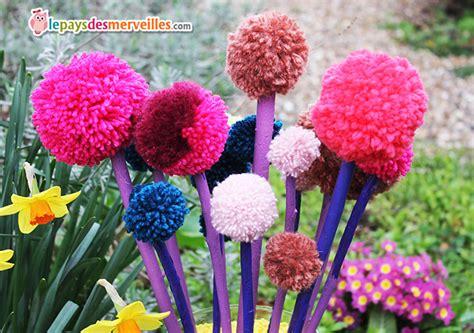 plante bureau diy joli bouquet de printemps fait de pompons l