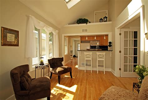 Decorating A Small Living Room Dining And Kitchen Combo