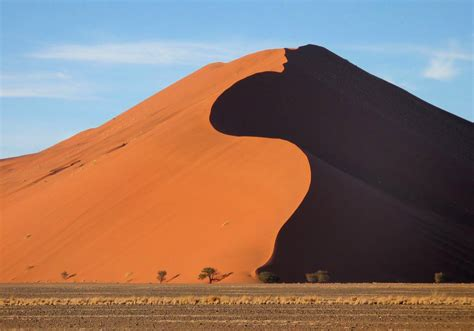Red And Black Pictures Sossusvlei Deadvlei Namibia Amazing Places