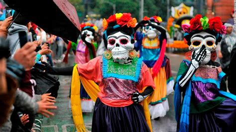 mexicos day   dead hits  close  home