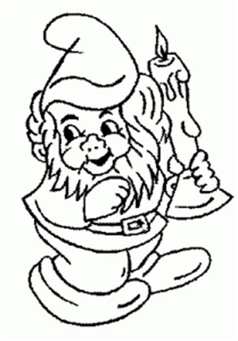 gartenzwerg mit kerze ausmalbild malvorlage gartenzwerge