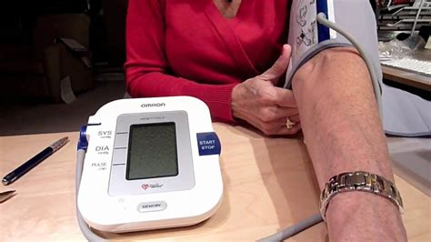 OMRON 711DLX ARM BLOOD PRESSURE - YouTube