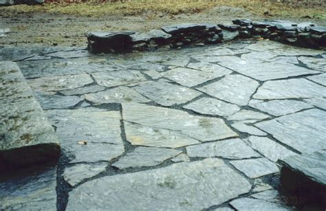 how to build a patio with limestone slabs ehow uk
