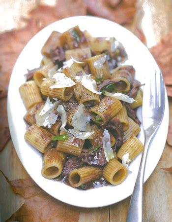 cuisiner le gibier pâtes au pecorino sauce gibier cuisiner le gibier c