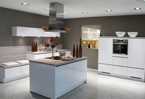 Schöne Ideen Weiße Küche Dunkle Arbeitsplatte Wandfarbe