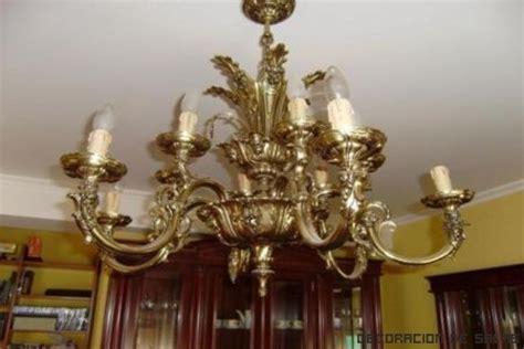 necesito combinar dos lamparas de techo en el salon