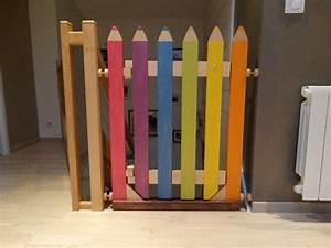 Barriere De Securite Escalier Castorama : barri re escalier crayon par l atelier1053 id es garderie stair gate kids gate baby gates ~ Melissatoandfro.com Idées de Décoration
