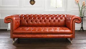 Chesterfield Sofas : style spotlight why choose a chesterfield couch ~ Pilothousefishingboats.com Haus und Dekorationen