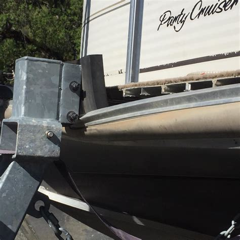 Boat Rub Rail Repair by Boat Repair Service Berryessa Boat Repair