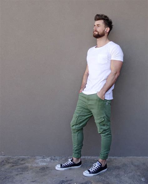 Nice relaxed summer style | Fashion | Pinterest | Green jeans White tees and White shirts