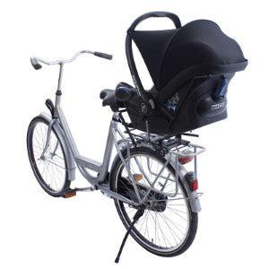 siege bebe velo famille cycliste solutions pour emmener vos enfants à