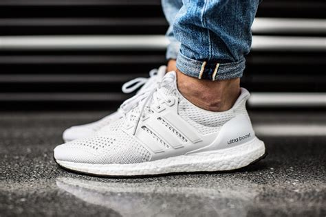adidas ultra boost  white snkr