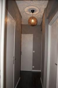 Couloir Gris Et Blanc : charleston grey couloir couloir gris tr s clair et cadres noirs photos noir et blanc ~ Melissatoandfro.com Idées de Décoration