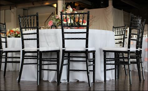 atlanta notwedding black chiavari chairs white