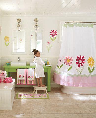 decorate  girls bathroom ive