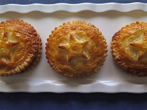galette des rois hervé cuisine galettes des rois feuilletée aux noisettes pour l