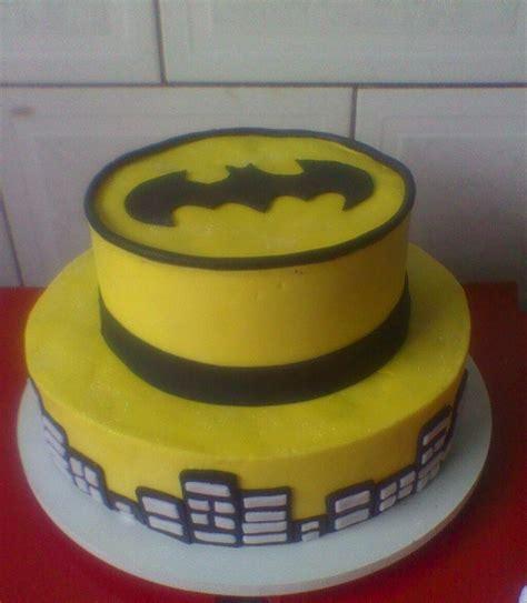 bolo decorado do batman biscuit elo7