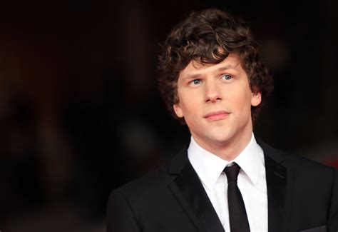 Jesse Eisenberg In The Social Network  Premiere The 5th