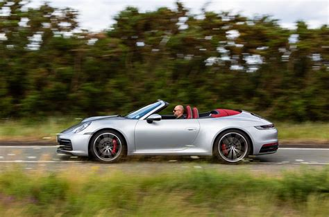 All wheel drive 21 combined mpg (19 city/24 highway). Porsche 911 Carrera 4S Cabriolet 2019 UK review | Autocar