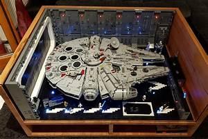 Star Wars Couchtisch : lego star wars ucs millennium falcon 75192 beleuchteter hangar zusammengebaut ~ Frokenaadalensverden.com Haus und Dekorationen