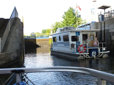 House Boat Trent Severn by Travel Houseboat Holiday Is A Hit But Has Some Tense