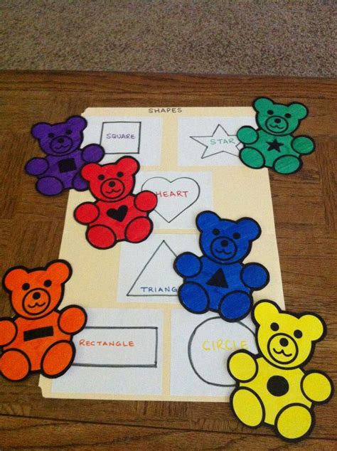 file folder for preschoolers shape matching 840   192a62d1ac45040d2e431110eccf7314 preschool shapes file folder games