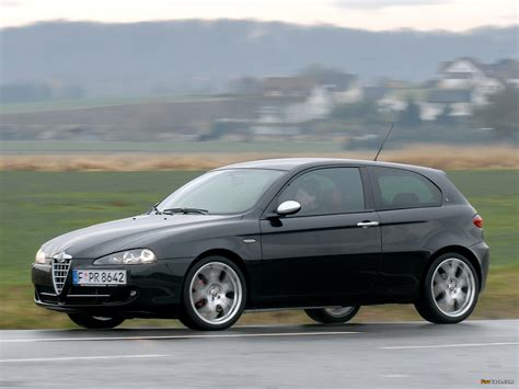 alfa romeo   review amazing pictures  images    car