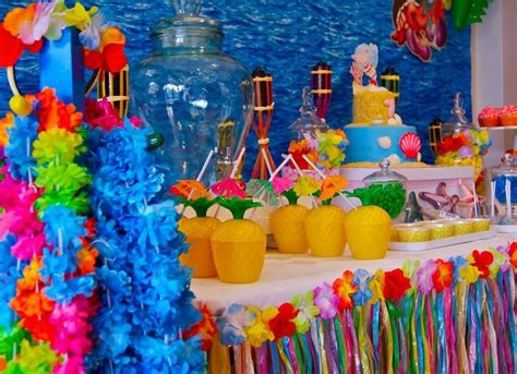 Tropical Theme :  Fun Parties That Don't Cost Much Money
