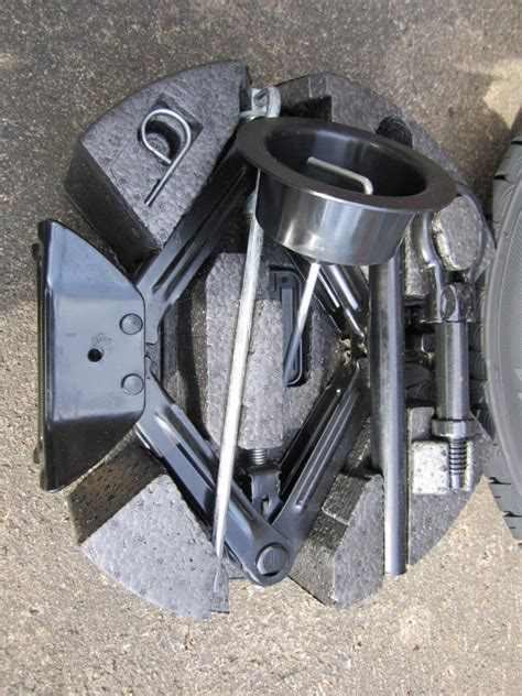 Wheels or Tyres: - Brand New Spare Wheel Kit for New Ford ...