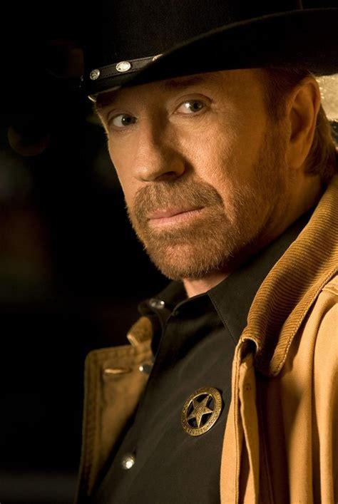 chuck norris texas walker ranger cbs fire facts birthday trial happy actor most hilarious telemovie stars cliff lipson