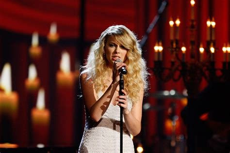 From the Vault: Taylor Swift Once Made a Pact to Get a Tattoo