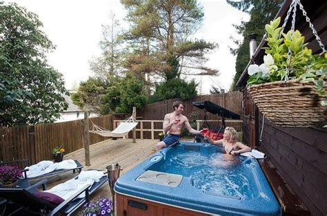 lake windermere log cabins with tubs nest cabin decking and tub area picture of