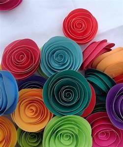 Rosen Aus Papier : stilvolle rosen aus papier falten ideen und anleitung ~ Frokenaadalensverden.com Haus und Dekorationen