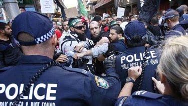 Don't blame us, fringe group says of Sydney riot