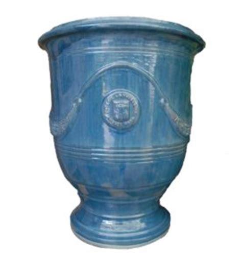 planter lavande en pot planter lavande en pot 28 images vase anduze bleu lavande vieilli eye of the day garden