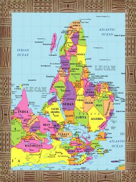 La Vrai Carte Du Monde by Voici Enfin La 171 Vraie 187 Carte De L Afrique Slate Afrique