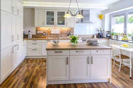 moderniser une cuisine en ch麩e comment relooker une cuisine maison design bahbe com