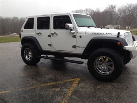 Buy Used 2012 Jeep Wrangler Unlimited Rubicon Custom 4x4