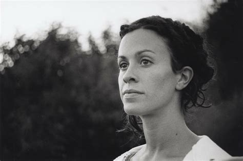 Pin by tandee lea on Alanis | Alanis morissette, Female ...