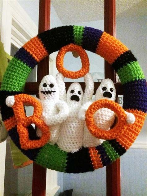 crochet wreath ideas  pinterest