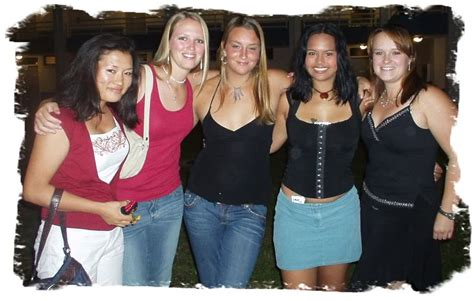 Group Of Ugly Girls   www.pixshark.com - Images Galleries