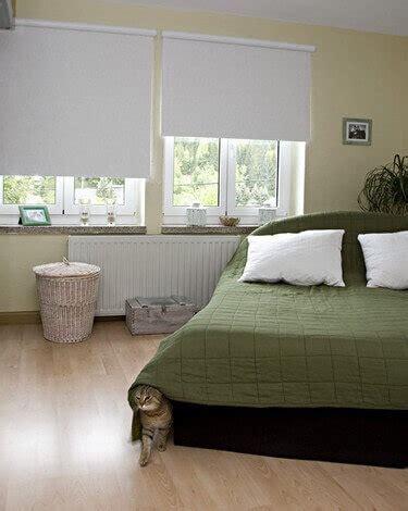 Dekorativ Und Praktisch Plissees Und Rollos Fuer Dachfenster by Rollos Plissees Und Jalousien Auf Ma 223 Einfach
