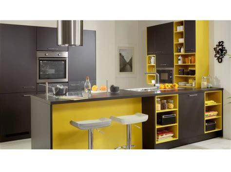 cuisine jaune et noir déco cuisine jaune et gris