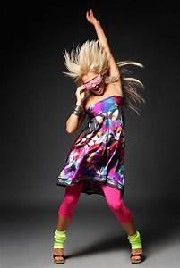 QQ Wallpapers: Dancing People Hd Wallpapers Set 1