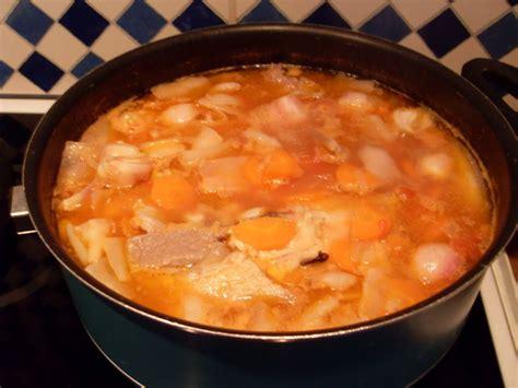 recette de cassoulet maison le vrai cassoulet maison au confit de canard recette