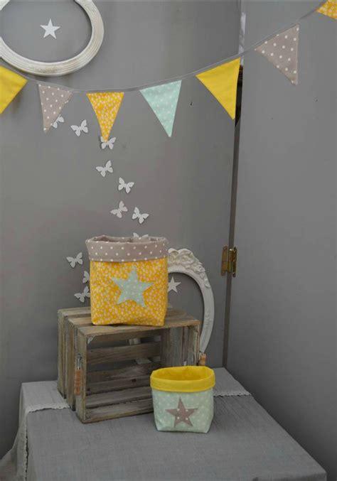 chambre bébé jaune décoration chambre bébé jaune