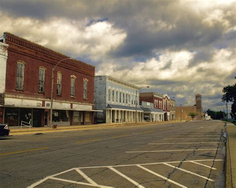 Downtown Galva, Illinois | Another small town fades into ...