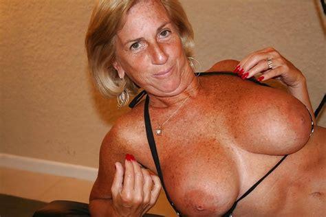 Sexy Busty Mature Milf Deborah Pics XHamster