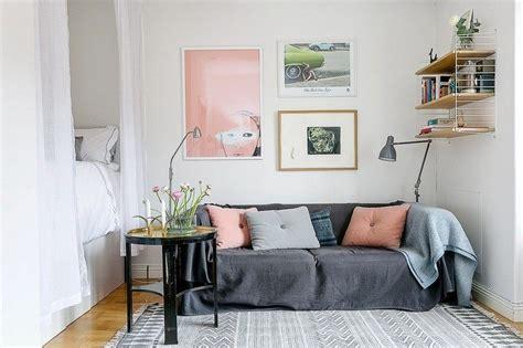 canapé marron clair idée déco petit salon maximiser l espace à l aide d accents