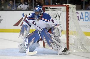 New York Rangers: Five Reasons to Worry About Henrik Lundqvist